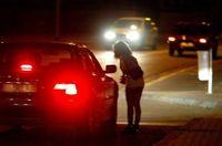 Racolage-passif-penalisation-du-client-les-senateurs-modifient-le-texte-sur-la-prostitution_article_popin